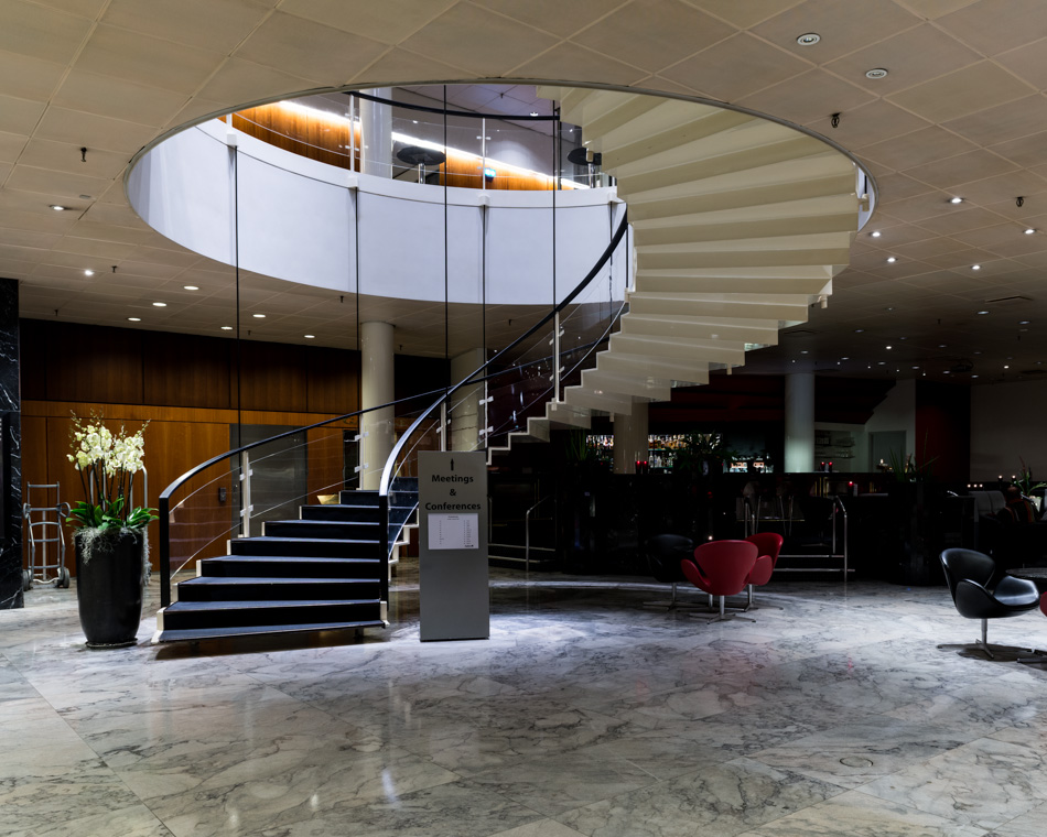 El icónico SAS Royal Hotel de Arne Jacobsen en Copenhague
